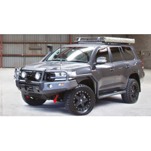 Toyota LandCruiser 200 Series 11/2015+ Premium Side Step & Rails